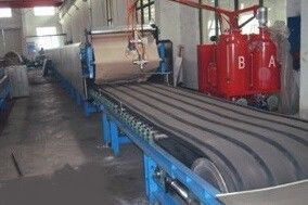 Cina Simple PU Sandwich Panel Machine For 30 - 200mm Roof Wall Panel pabrik