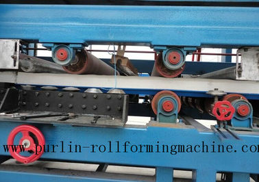 Cina Colored Steel PU Sandwich Panel Production Line , Roof Panel Roll Forming Machine pabrik